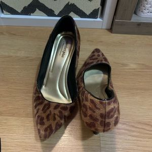 Cute leopard kitten heels